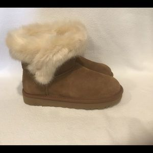 UGG Cathie Women's Chestnut Booties Sz 6